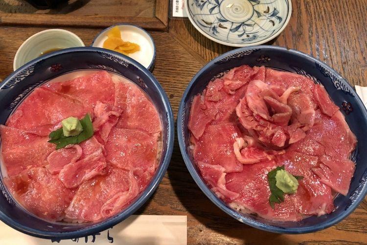 富良野『くまげら』 大盛ローストビーフ丼