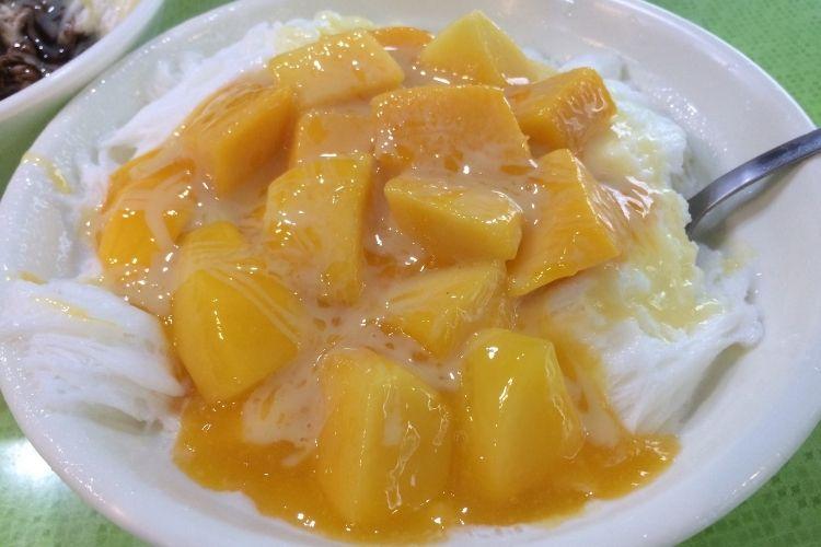 台湾旅行 冰讃 (ピンザン)マンゴーかき氷