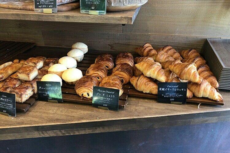 丘の上のパン屋 内観