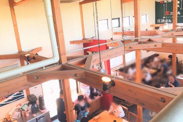 平塚漁港の食堂 内観
