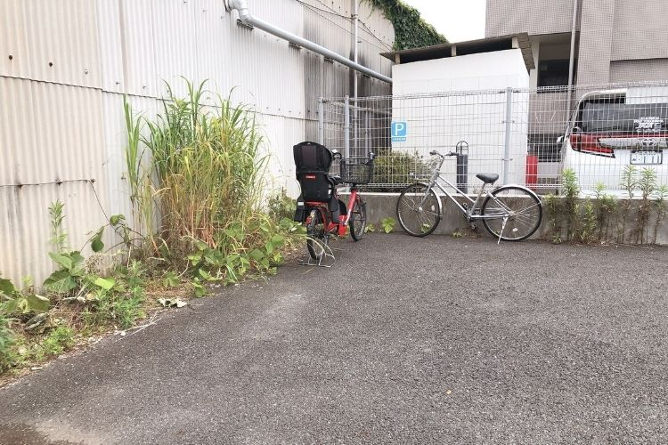 アラカンパーニュ横浜工場直売所 駐車場